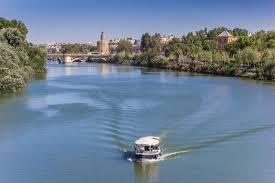 Un paseo por Sevilla con el río como protagonista absoluto